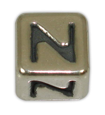 SILVER 925° CUBE WITH GREEK LETTER ''N'' STRAINED 10x10mm