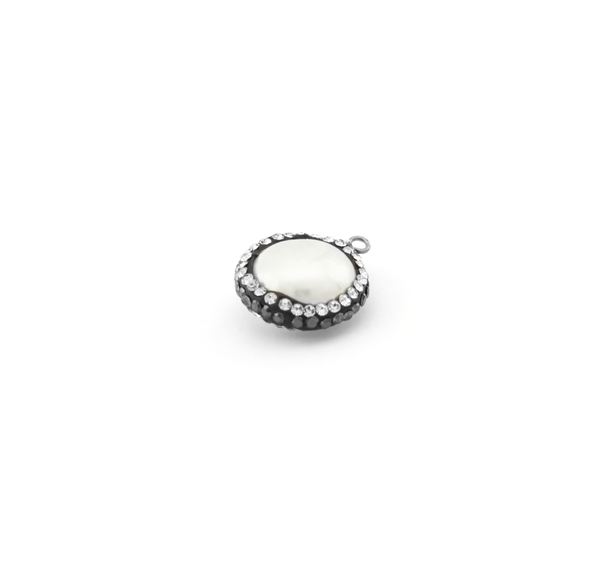 FRESH WATER PEARL WITH STRASS 15mm