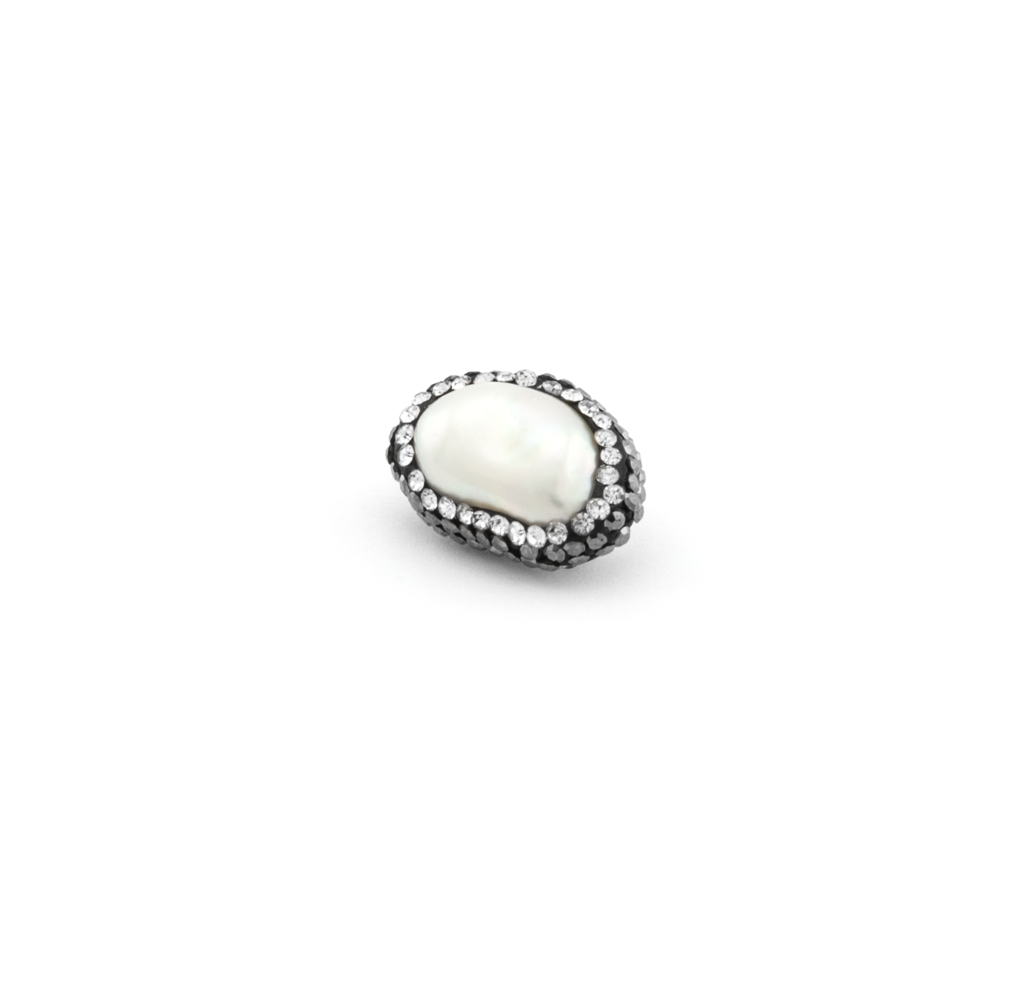 FRESH WATER PEARL WITH STRASS 18mm