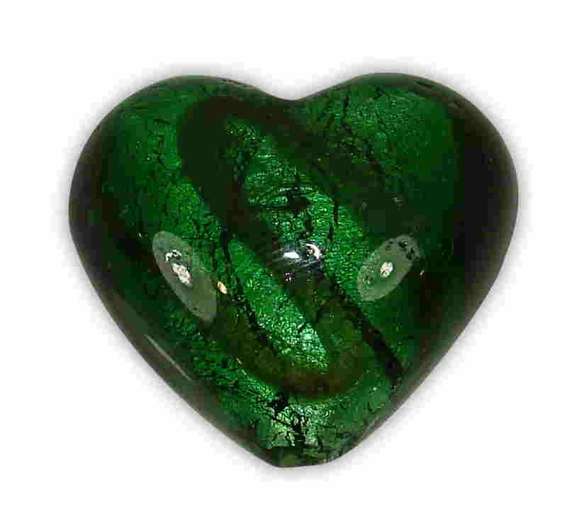 MURANO HEART GREEN WITH BRASS LINES 20x24mm