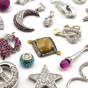 PENDANTS WITH ZIRCON OR STRASS